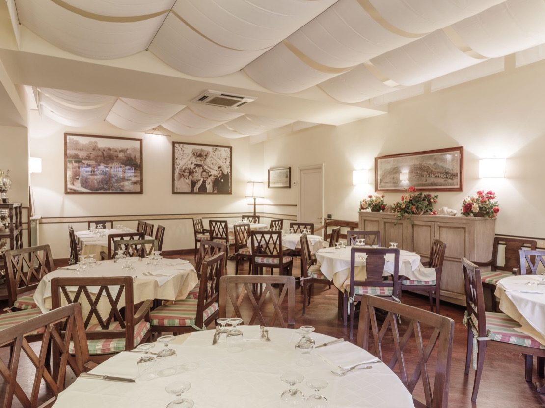 <Sala Ristorante Tennis Club Genova