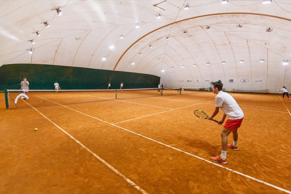 <Campi coperti Tennis Club Genova